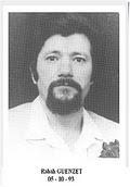 Rabah GUENZET : Prof de philosophie et Islamologue, Assassiné 5 octobre 1993 dans la banlieue d'Alger. Quelques jours avant, il avait participé à un débat télévisé qui l'opposait  à Abassi Madani.